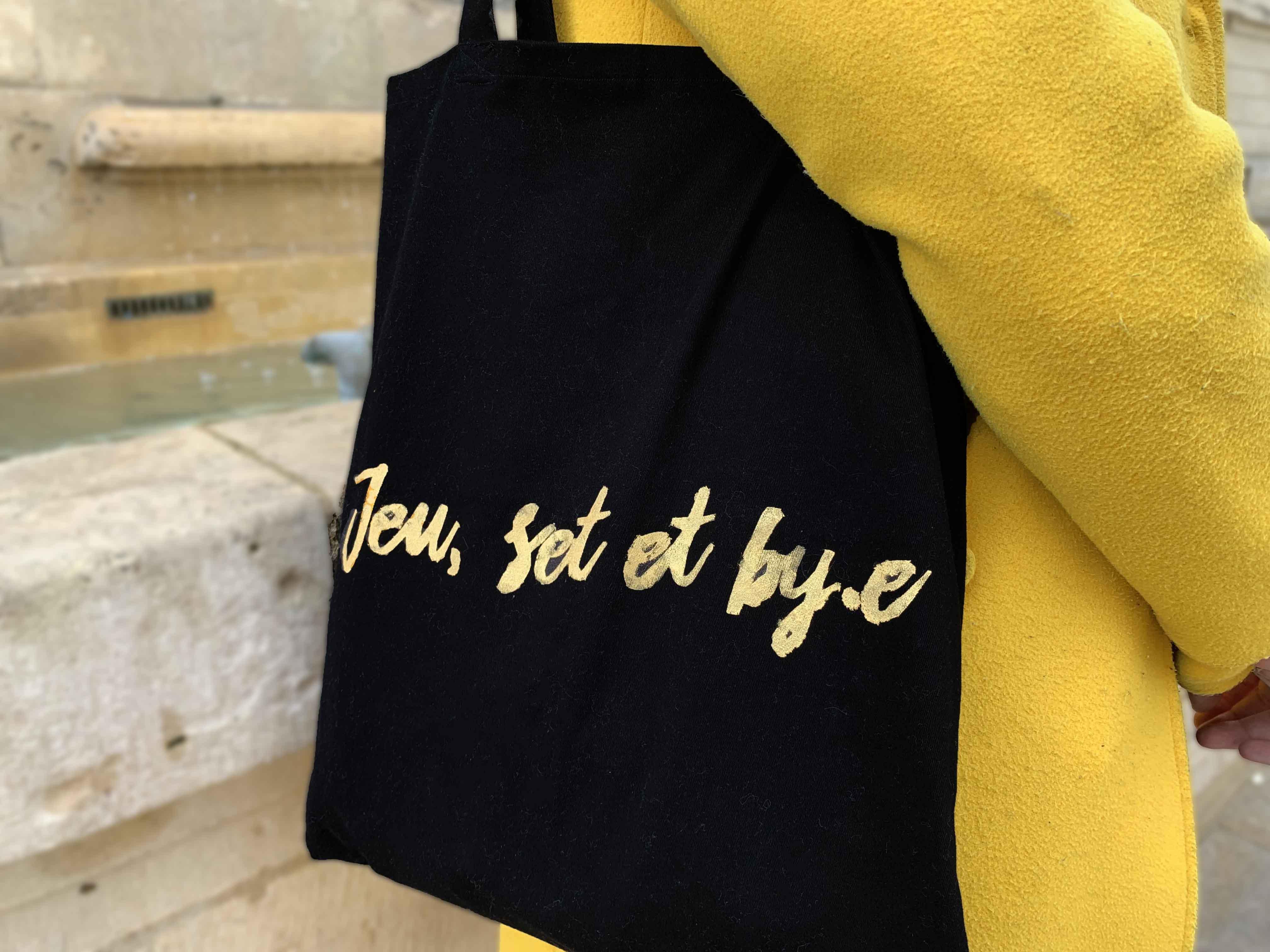 """Tote bag By.e personnalisé or """"Jeu, set et by.e"""""""